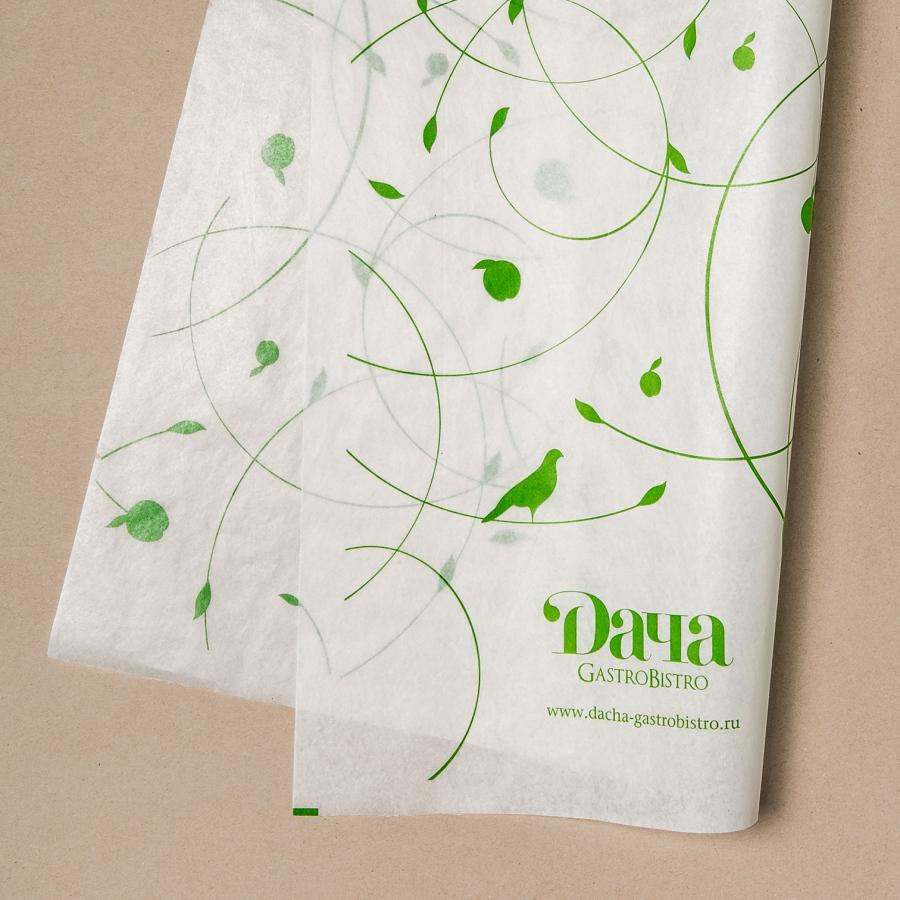 фирменная бумажная скатерть