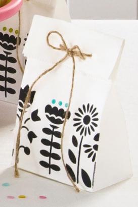 Подарочный пакет дизайнерский из отбеленного крафта